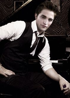 Robert Pattinson (here u go again)