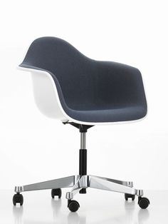 1000 images about objets cultes on pinterest eames for Chaise vitra bureau