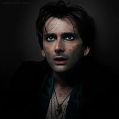 David Tennant plus guyliner in Fright Night the remake... need i say more <3