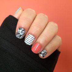 This mixed mani is all that and a bag of chips! Jamberry nail wraps: Smitten, Country Club & Grapefruit http://ErikasPrettyPinkies.Jamberry.com