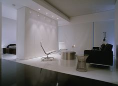 David Hicks specifies #Eames aluminum group chairs for this interior