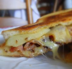Grilled Apple, Bacon and Cheese Sarnie, #theenglishkitchen