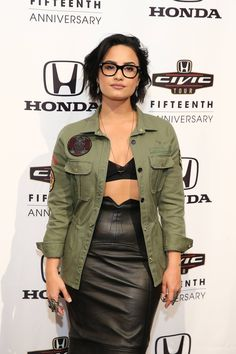 Look for Less: Demi Lovato's 2016 Honda Civic Tour Artists Announcement Zadig & Voltaire Army Overshirt, Tom Ford Black Leather Pencil Skirt, and Saint Laurent Studded T-Strap Sandals Honda Civic, Demi Lovato Style, Demi Love, Cuerpo Sexy, Black Leather Pencil Skirt, Casual Look, Woman Crush, Role Models, Military Jacket