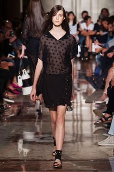 View the Andrea Incontri Spring 2015 RTW collection. See photos and video of the S2015RTW runway show. Andrea Incontri