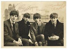 Paul McCartney, Ringo Starr, George Harrison, and John Lennon 1964 Beatles Band, Beatles Love, Beatles Photos, Fabulous Four, The Fab Four, Ringo Starr, John Lennon, Great Bands, Cool Bands