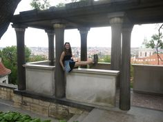 July 2016: at the Prague castle there was an nice belvedere. Gymnastic daughter Sam held her legs up high and in Photoshop I could make it Escher-like.