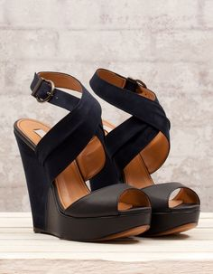 Simple classic black wedges fashion