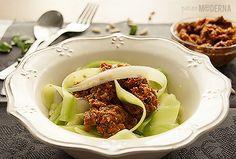 Espaguetis de calabacín al pesto rojo. Recetas de dieta paleo sin gluten, sin azúcar, sin lactosa. Muy fáciles de preparar y aptas para celíacos.