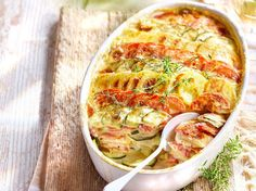 This gratin with southern vegetables blossoms good garlic and fresh thyme and brings . - Décoration et Bricolage Zucchini, Musaka, Clean Eating, Healthy Eating, Food Concept, Cooking Ingredients, Eat To Live, Polenta, Snack