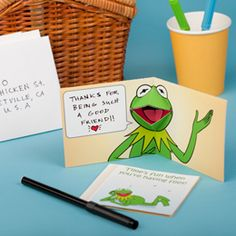 Kermie printable pop-up card template. I love just about anything with Kermit.