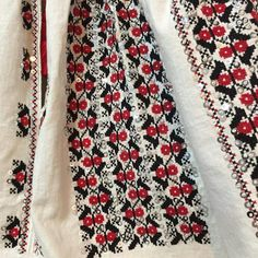 IaAidoma. Romanian blouse detail. Floral Tie, Embroidery, Blouse, Fashion, Folklore, Ukraine, Needlepoint, Moda, Fashion Styles