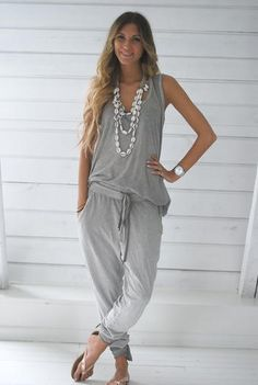 casual comfy that's me :) Grey Fashion, Love Fashion, Fashion Design, Cool Outfits, Casual Outfits, Fashion Outfits, Fashion Tips For Women, Womens Fashion, Fashion Ideas