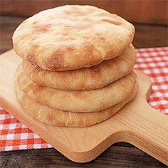 Pita chléb. Bread Recipes, Baking Recipes, Dessert Recipes, Desserts, Bulgarian Recipes, Home Baking, Sourdough Bread, Dough Recipe, Bread Baking