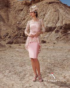 5224eea8a711 89 najlepších obrázkov z nástenky Krátke šaty a kostýmy