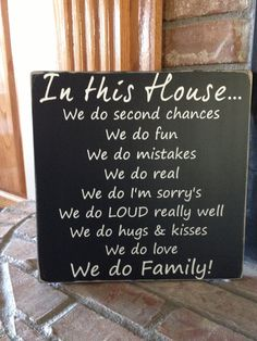 In this house we do family by AmysVinylCreations on Etsy
