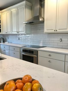 What You Don't Know About Quartz Countertops Kitchen White Could Be Costing to More Than You Think Quartz Kitchen Countertops, White Countertops, Kitchen Worktop, Kitchen Tops, Diy Kitchen, Kitchen Design, Kitchen White, Kitchen Reno, Kitchen Ideas