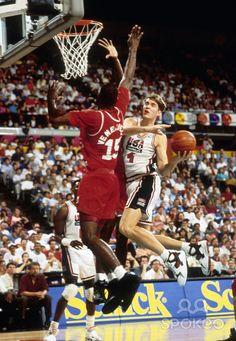 1992 NBA Dream Team Team Usa Basketball, Girls Basketball Shoes, Basketball Pictures, Basketball Court, 92 Dream Team, Sport, Christian, Barcelona, World