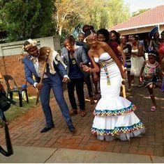 South African Wedding 01 – South African Wedding Tagged at muzzikuminfo. African Wedding Attire, African Attire, African Wear, African Women, South African Wedding Dress, African Print Dresses, African Print Fashion, African Fashion Dresses, African Dress