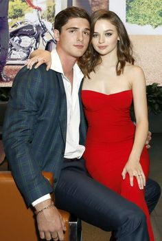 """Joey King Says Working With Ex Jacob Elordi on The Kissing Booth 2 Was a """"Sacrifice"""" <br> Filming for The Kissing Booth sequel has officially wrapped, and Joey King is getting candid about what it was like working with ex-boyfriend Jacob Elordi Joey King, King Jacob, 2 Movie, Movie Stars, Famous Celebrities, Celebs, Noah Flynn, Films Netflix, Best Romantic Movies"""
