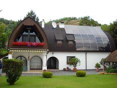 Napelemes ház 2 Solar Power, Budapest, Mansions, House Styles, Outdoor Decor, Home Decor, Mansion Houses, Homemade Home Decor, Solar Energy