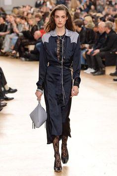 acuratedlife:    Nina Ricci - Fall 2017 Ready-to-Wear  Nina Ricci Fall 2017 Ready-to-Wear Fashion Show Collection  See the complete Nina Ricci Fall 2017 Ready-to-Wear collection.