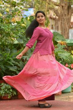 Anupama Parameswaran in A Aa - Anupama Parameswaran HD Walpapers Beautiful Girl Indian, Most Beautiful Indian Actress, Beautiful Girl Image, Beautiful Actresses, Beautiful Women, Stylish Girls Photos, Stylish Girl Pic, Sonam Kapoor, Deepika Padukone