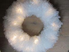 De bekende boterhamzakjes-kerstkrans die te zien was tijdens de KruizerFair, staat nu met werkbeschrijving op de site!