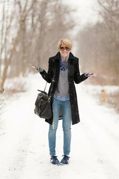 I need to add a gray sweater to my green checked shirt. s e e r s u c k e r + s a d d l e s Plaid Outfits, Casual Winter Outfits, Fall Outfits, Preppy Outfits, Schwarzer Mantel Outfit, Look Casual Otoño, Mode Ab 50, Look Fashion, Fashion Outfits