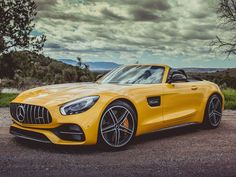 The 2018 Mercedes-AMG GT C Roadster is hunting for Porsche 911 Cabriolets - Roadshow