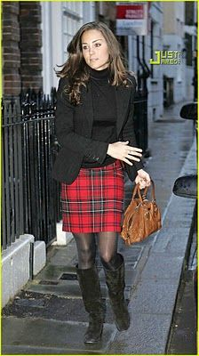 love this plaid skirt!!! cool outfit