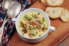 Hearty Potato, Cheddar, and Bacon Soup from 25 One-Pan Recipes You Can Freeze, Heat, and Eat Slideshow Casserole Recipes, Soup Recipes, Chicken Recipes, Cooking Recipes, Beer Soup, Bacon Chips, Bacon Soup, Soup Appetizers, Veggie Stock