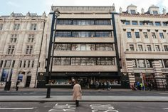 Inside London's Biggest Bookshop - Everything you need to know about this bookish behemoth.