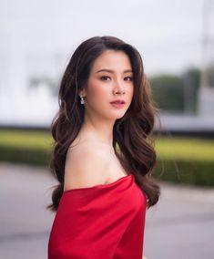 Great Tips For People Who Want Perfect Skin Asia Girl, Beautiful Asian Women, White Girls, Ulzzang Girl, Stylish Girl, Beautiful Actresses, Girl Pictures, Asian Woman, Asian Beauty