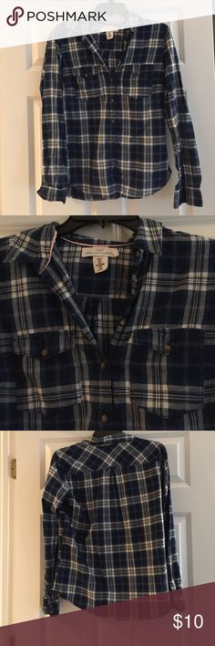 Blue and White Flannel Shirt Blue and white flannel pattern, buttons all the way down the shirt, two pockets on chest Tops Button Down Shirts