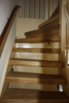 Traprenovatie van een open trap. Materiaal van teakhout > wortman meubelen Open Trap, Stairs, Home Decor, Stairway, Decoration Home, Staircases, Room Decor, Stairways, Interior Design