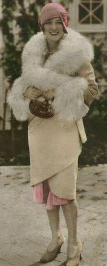 Vintage Colore C - Marion Davies 30s Fashion, Fashion History, Art Deco Fashion, Vintage Fashion, Flapper Fashion, Victorian Fashion, Fashion Outfits, Flapper Era, Flapper Style
