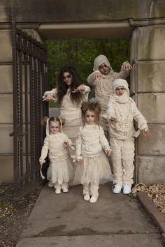 Halloween costume ideas for family - Mummy Halloween costumes! Perfect for mom, dad, and little kids, too.