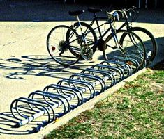 Do not use a rack that only holds the wheel or is unsuitable for a U-lock