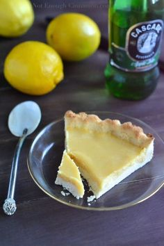 "Sugarless desserts ♥ Easy sugar free desserts Paleo lemon curd pie ""that everyone will love, paleo or not! It's free of refined sugar, dairy, grains and gluten."""