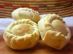 Panadas From Sardinia Empanadas, Italian Desserts, Italian Recipes, Sardinia Food, Burritos, Bread And Pastries, Different Recipes, International Recipes, Finger Foods