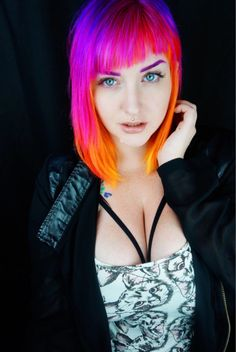 more pastel hair color ideas for you Types Of Hair Color, Vivid Hair Color, Pretty Hair Color, Neon Hair, Pastel Hair, Flame Hair, Short Punk Hair, Unnatural Hair Color, Sunset Hair
