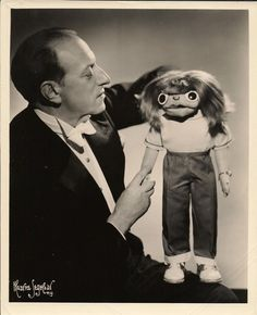 """Ventriloquist Señor Wences on The Ed Sullivan Show - with Johnny: """"Deefeecult for you... Easy for me!"""""""