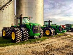 Crazy Power John Deere - New Holland - Massey Ferguson John Deere Equipment, Heavy Equipment, Old John Deere Tractors, New Tractor, Welding Rigs, Future Farms, Engin, Farm Life, Farmers