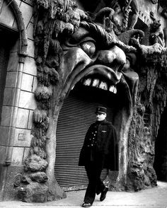 The front door of Cabaret de L'Enfer in Paris, one of the world's first theme restaurants. photo by Robert Doisneau studio. Vintage Photography, Street Photography, Art Photography, Cabaret, Robert Doisneau Photos, Fotografia Pb, Eugene Atget, Photocollage, Heaven And Hell