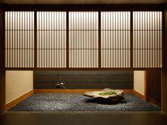 新しいジャパニーズスタイルを楽しんでみませんか?1523407 Japanese Modern House, Modern Japanese Interior, Japanese Living Rooms, Japanese Restaurant Interior, Japan Interior, Japanese Architecture, Interior Architecture, Interior Design, Conception Zen