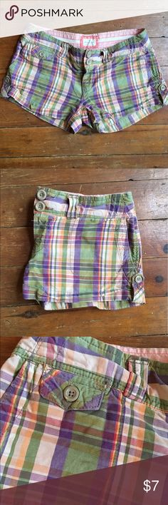 Green and purple plaid shorts Multi-colored plaid short shorts. Used with no visible defects. 100% cotton. American Eagle Outfitters Shorts