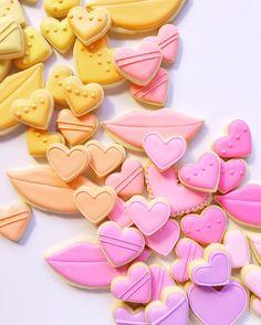 graphic-designer-makes-custom-cookies-holly-fox-design-38-572da2fc030d6__700