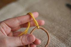 Diy tutorial to make a pretty chocheted hair elastic accessory