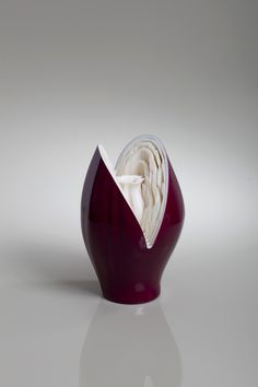 "3D Printed Vase, Auction for ""Elem"" - Youth in Distress on Behance"