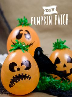 Balloon Pumpkins: Blow up an orange balloon, paint a face on it, and turn it into a pumpkin for Halloween. You won't even have to carve it! Source: Confetti Sunshine